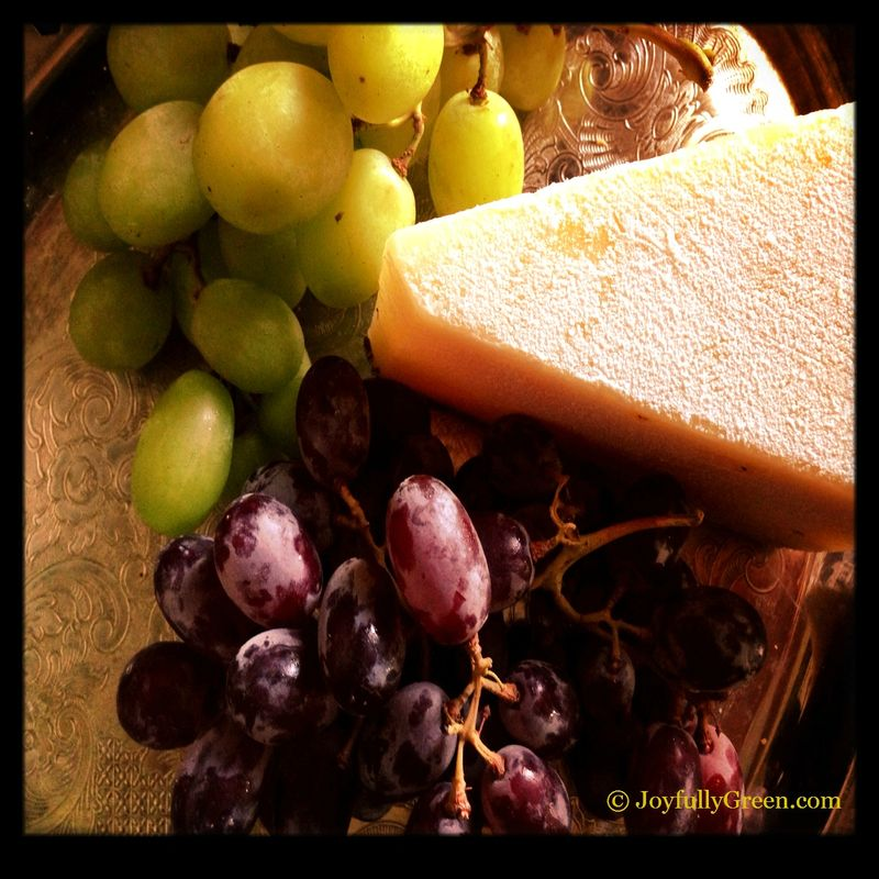 CheeseAndGrapes2
