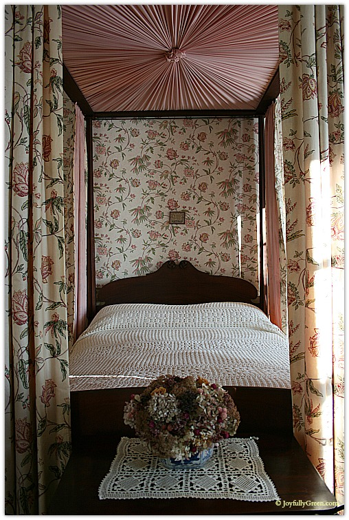 Hildene Bedroom 2 © Joyfully Green LLC